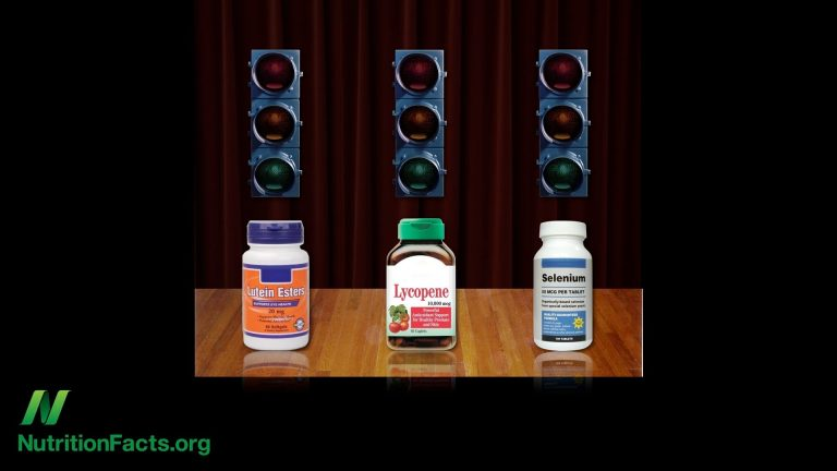 Lutein, Lycopene, and Selenium Pills