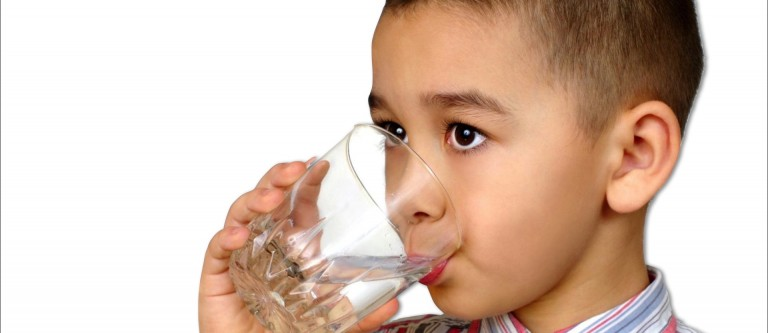 NF-May1 Does a Drink Of Water Make Children Smarter?